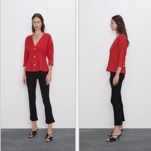 😍NWT Zara Textured Buttoned Red Top 😍